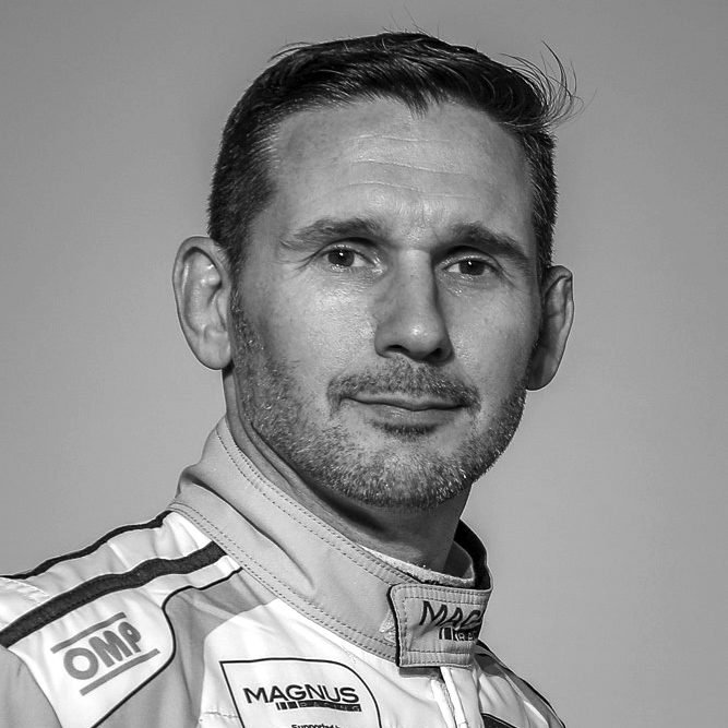 sports-car-driver-andy-lally